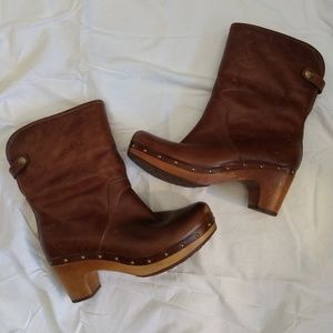 UGG Lynnea Leather Heeled Boots Size 8